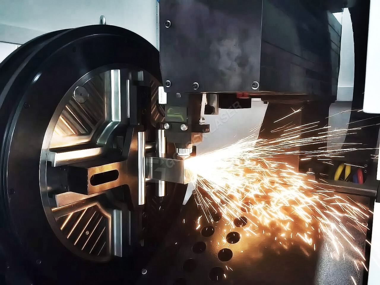square tube laser cutting machine