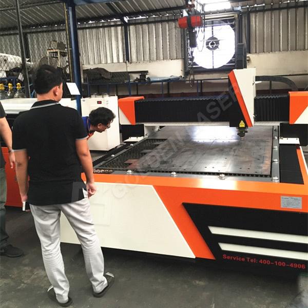 Ласерски машина за сечење хартија за трансформатор домување Во Тајланд