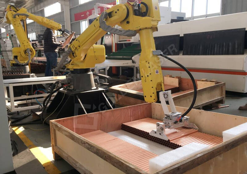 Automatic robot unloading and packing