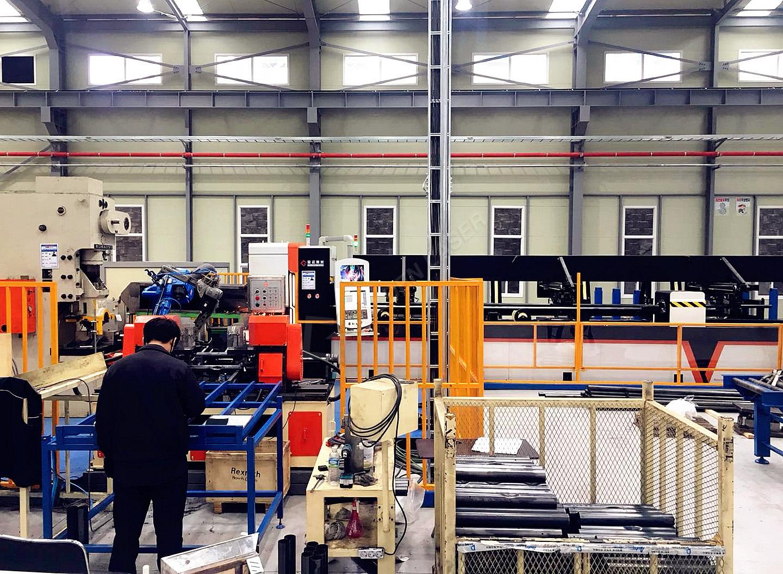 स्टील पाइप पंचिंग मशीन सीएनसी