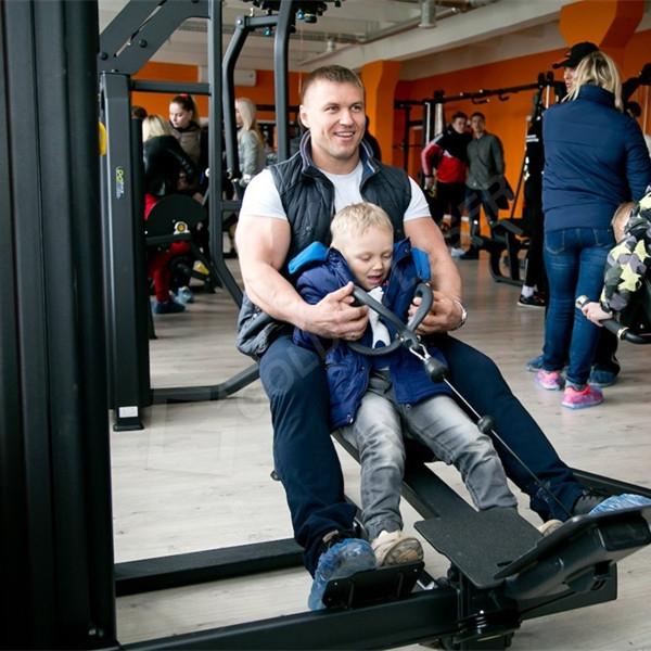 Ласерски цевка и лист машина за сечење примени на спортска опрема во Русија