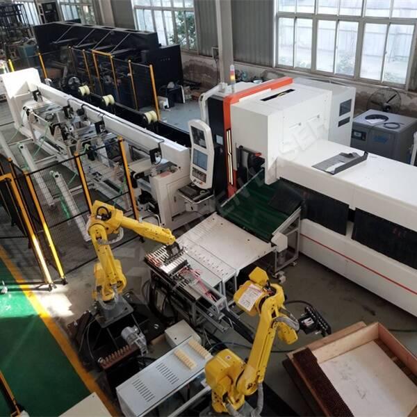 Inteligentna in samodejna proizvodna linija za lasersko rezanje cevi za nemške kupce